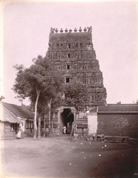 Front view of main gopura of the Vishvanatha Temple, Kumbakonam